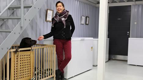 Elina Heino aloitti sivubisneksen päivätyönsä rinnalle.