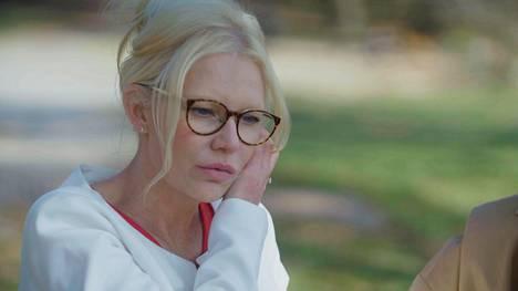 Perfektionismiin taipuvainen Linda kertoo kamppaileensa itsetuntonsa kanssa.