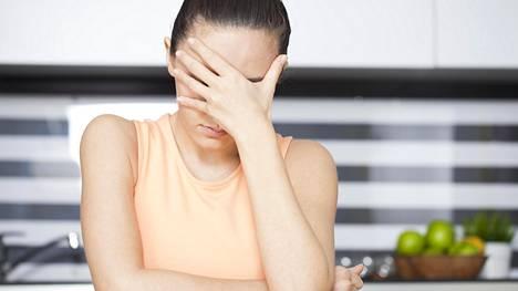 ADHD:n aiheuttamat ongelmat voivat tuntua pahenevan, kun aikuisuudessa ympäristön vaatimukset kasvavat: täytyy käydä töissä ja siivota kotia.