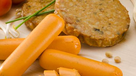 Niin sanottuja lihankorvikkeita ovat esimerkiksi kasvisnakit ja -pihvit sekä jauhelihaa korvaavat kasviproteiinituotteet.