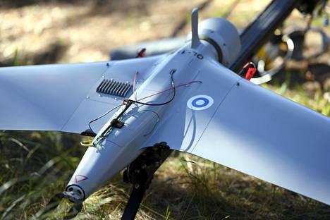 Tiedusteluun, alueiden valvontaan ja maalien paikannukseen käytettävien Orbiter-minilennokkien varusmieskoulutus on käynnissä seitsemässä Maavoimien joukko-osastossa.