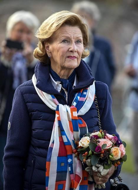 Kuningatar Sonjaa ja Ari Behniä yhdisti kiinnostus taiteeseen.