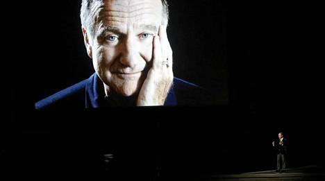 Billy Crystal muisteli Robin Williamsia jo aiemmin Emmy-gaalassa.