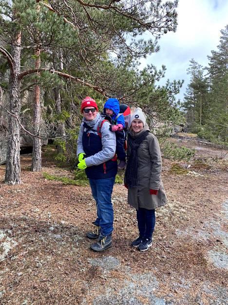 Henri ja Riitta Talvitie ovat kotiutuneet saaristoon.