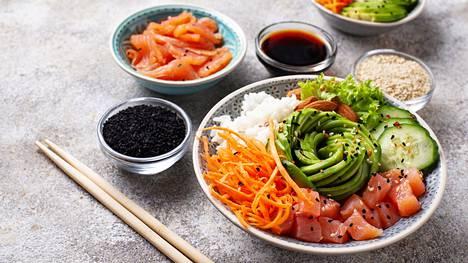 Kun keskityt syömään puhdasta, kasvispitoista ja hyvälaatuista ruokaa, joka ei ole pitkälle prosessoitua, ruokavalio kestää joskus herkuttelunkin.