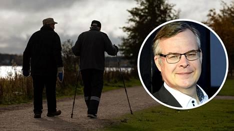 Koronakävelyt kaverien kanssa loppuisivat, jos Suomeen määrätään liikkumisrajoituksia koronaepidemian kärjistymisen takia.