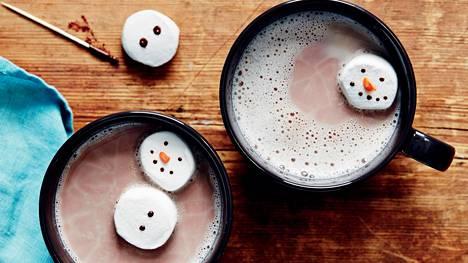 Lämmittele lumiukkokaakaolla.