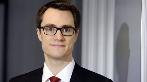 Hypon pääekonomisti Juhana Brotherus on huolissaan nuorille koituvasta taloudellisesta ja henkisestä taakasta.