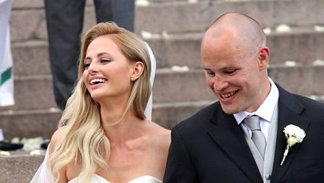 Jarkko ja Sofia Ruutu viettivät häitään heinäkuussa 2012.