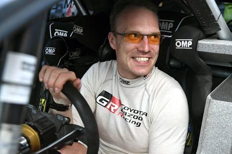 Jari-Matti Latvala ajaa Varsinais-Suomen SM-rallissa historic-autolla