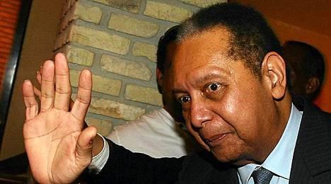 Jean-Claude Baby Doc Duvalier kertoi tulleensa auttamaan kotimaataan.
