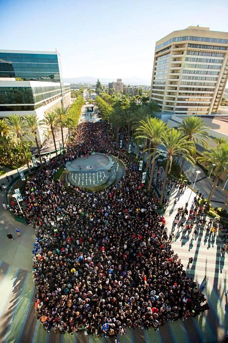 BlizzConiin saapui lähes 40 000 fania.