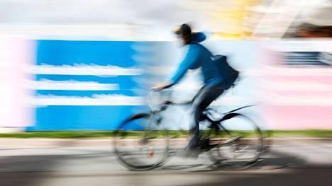 Polkupyöräilijöille ei ole tulossa promillerajaa, vaikka joka kolmannen polkupyöräonnettomuuden taustalla on alkoholi. Monissa EU-maissa pyöräilijöitä koskeva promillemääräinen alkoholiraja on kuitenkin olemassa.