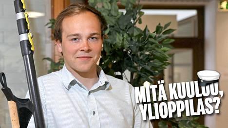 Tatu Suontausta kirjoitti huippupaperit lukiosta vuonna 2013.