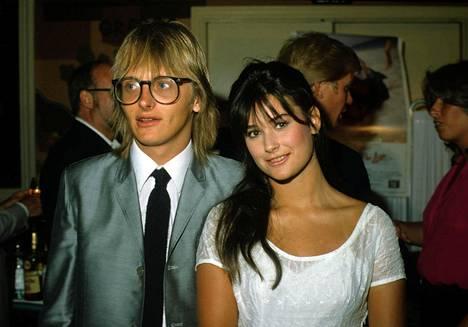 Demi Moore ensimmäisen aviomiehensä Freddy Mooren kanssa 1982.