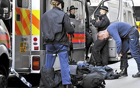 Lontoossa poliisi on varautunut ehkäisemään mahdolliset uudet mellakat.