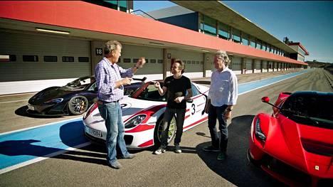 Amazon Prime esittää muun muassa Jeremy Mayn, Richard Hammondin ja James Mayn tähdittämää The Grand Tour -auto-ohjelmaa.
