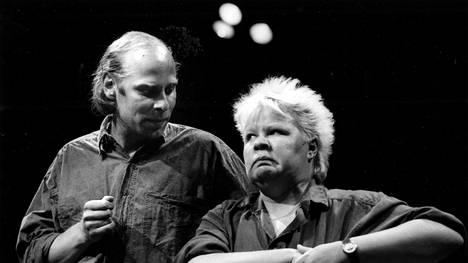 Vesa Vierikko ja Ulla Tapaninen Nyhjää tyhjästä -ohjelmassa 1988.