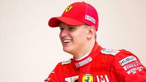 Mick Schumacher pääsi kokeilemaan Ferrarin F1-autoa viime tiistaina Bahrainissa.