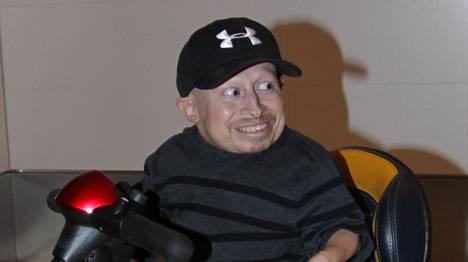 Verne Troyer tunnetaan parhaiten Austin Powers -elokuvien Mini-me-hahmona.