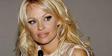 Pamela Anderson ihastui Suomeen viime kesänä.