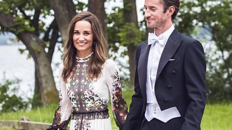 Herttuatar Catherinen pikkusisko Pippa ja James Matthews avioituivat toukokuussa.