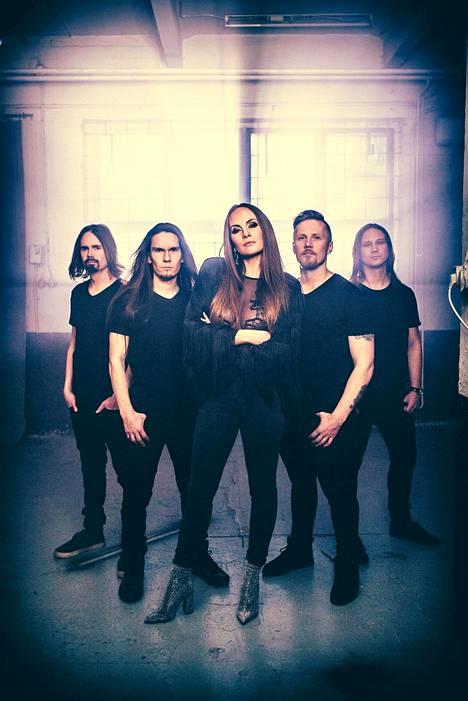 Smackbound-yhtye julkaisee nyt ensimmäisen albuminsa.