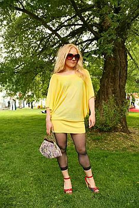 Myös soololevynsä julkaissut Mariko nähtiin Kaivopuiston lavalla.