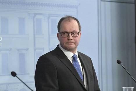 Tomi Lounema pyysi eroa HVK:n johdosta huhtikuun kymmenentenä maskikohun keskellä.
