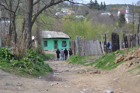Olosuhteet Valea Seacassa ovat vaatimattomat, jopa karut.
