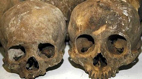 Läheltä Guatemalan rajaa sijaitsevasta luolasta löydettiin 167 ruumista.