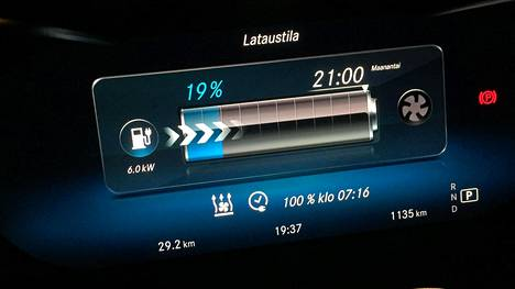 Autoliikeketju Jarmo Rinta-Joupin tilastojen mukaan kesä-elokuun aikana ketju myi käytettyjä hybridiautoja 138 prosenttia enemmän kuin vastaavana ajanjaksona vuosi sitten.