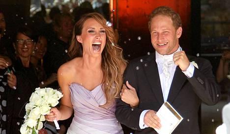 Niina ja Lorenz Backman avioituivat heinäkuussa 2011.