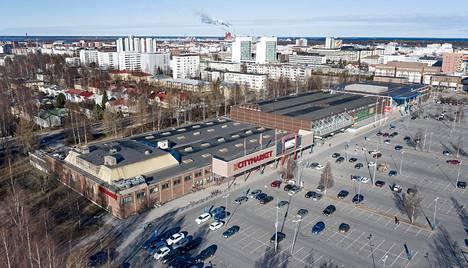 Oulun kaupunki, yliopisto ja kaupan keskusliikkeet ajavat Raksilan alueen muutosta markettien ja yliopiston keskustakampuksen yhteiselon suuntaan.