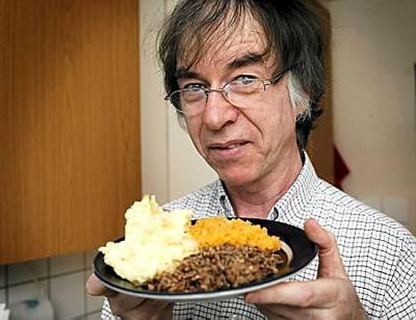 Lautasellisen skottihaggista tarjoilee Ewen McDonald.