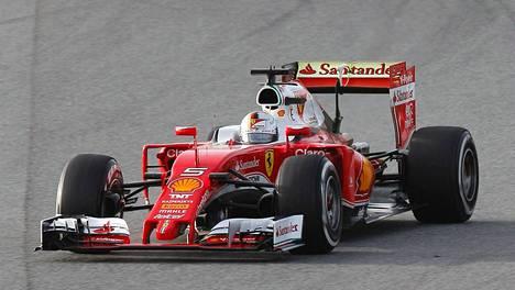 Ferrarin ja Sebastian Vettelin kurvailua voi katsella Suomessa vain MTV:n kanavilta.