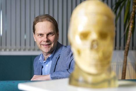 Professori Lauri Nummenmaa on tyytyväinen yhteistyöhön vankeinhoidon kanssa.