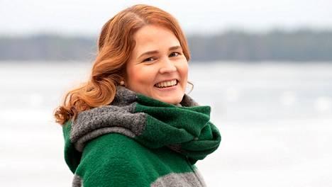Mari Leppänen vihitään Turun piispaksi 7. helmikuuta. Hänellä on puoliso ja kolme lasta, ja hän asuu Liedossa.