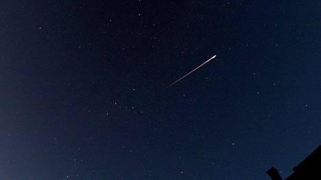 Ilta-Sanomien lukija otti kuvan perseidistä Sipoon taivaalla kolme vuotta sitten.