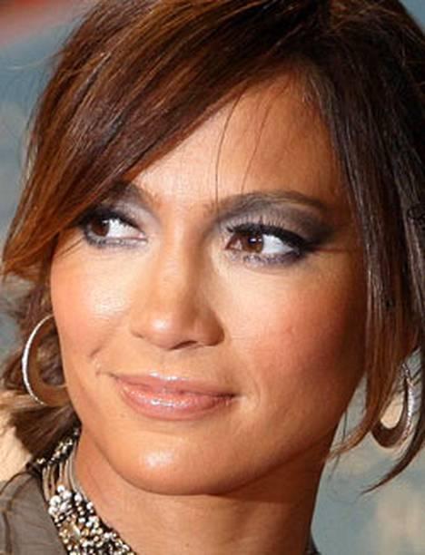 Jennifer Lopez tienaa erittäin hyvin esiintymisillään - venäläinen liikemies maksoi hänelle keikasta 1,5 miljoonaa euroa.