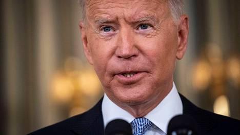 Presidentti Joe Biden piti perjantaina tiedotustilaisuuden koronarokotuksista.
