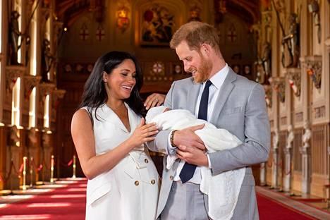 Prinssi Harry kertoi pitkässä kirjeessään, että Meghan on saanut osakseen julmaa kohtelua mediassa sekä läpi raskautensa että Archie-pojan synnyttyä.