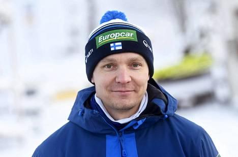 Päävalmentaja Petter Kukkonen on kyllästynyt kääntelemään toista poskea Kansainvälisen hiihtoliiton rakenteellisen korruption edessä.