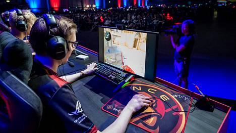 Major on Counter-Striken suurin ja arvostetuin turnaus. Suomalainen ENCE-joukkue sijoittui toiseksi alkuvuonna pelatussa turnauksessa. Kuva Assembly-tapahtumasta.