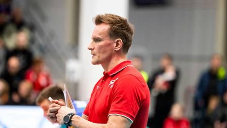 Venäjän lentopallomaajoukkuetta luotsaava Tuomas Sammelvuo on yksi Tokion olympialaisten mielenkiintoisimmista suomalaisnimistä.