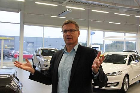 Autoalan keskusliiton toimitusjohtaja Pekka Rissa ei usko polttomoottoriautojen hinnan romahtavan. Rissan mukaan kysyntää polttomoottoreille on vielä ensi vuosikymmenelläkin.
