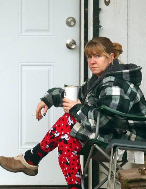 Tonya Harding elää vuokratalossa miehensä Joseph Pricen ja poikansa kanssa.