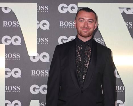 Sam Smith esitti viimeisimmän Bond-elokuvan tunnuskappaleen Writings On The Wall.