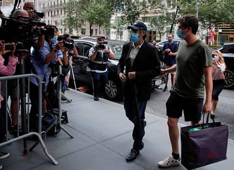 Cohen on saanut osakseen valtavaa mediahuomiota Trumpia koskevien paljastustensa vuoksi. Hänen kirjansa julkaisemista on yritetty estää monin keinoin.