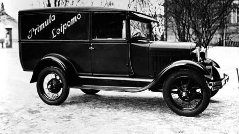 Tämän Primulan Ford-jakeluauton vuosimalli ei ole varmasti tiedossa. Sen arvellaan olevan joko 1928 tai 1929.